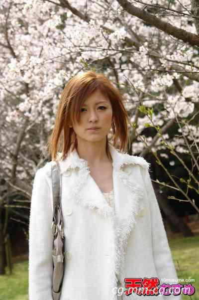 10musume 2012.07.17 初野外露出で乳首が痛いくらい勃起 今戸奈緒