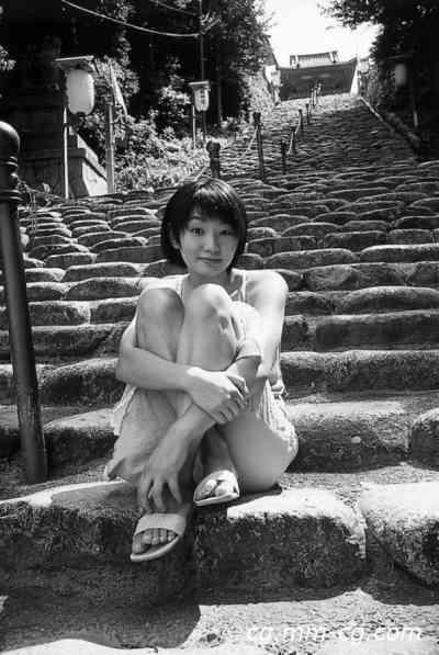 DGC 2005.02 - No.083 - Kaori Manabe 眞鍋かをり