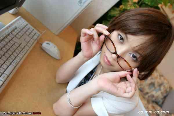 women inside 009c_misaki