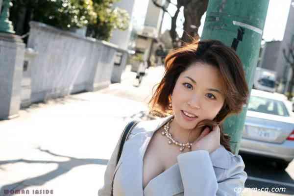 women inside 107misaki