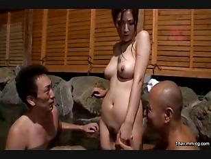 JUX-191-[中文]人妻裸露溫泉之旅~因老公異常性癖好而濕了小穴的老婆~ 椎名由奈