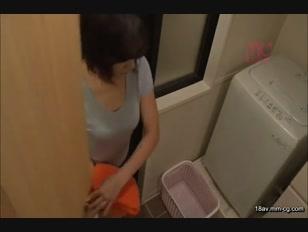 TEM-013-[中文]只圍著一條浴巾露出惹火肉體誘惑男性的出浴慾求不滿人妻!!