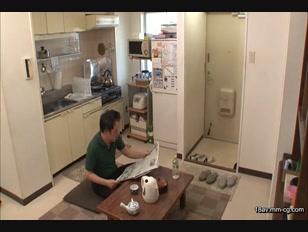 NHDTA-686-[中文]因性愛自拍而興奮的隔壁家女兒和被看到癡態而無法拒絕的母親,合起來做親子丼 4