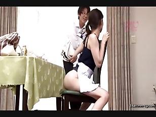 SW-316-[中文]在父母不在時來到家裡的家政婦們居然個個都穿丁字褲!!她們教導了對女人的身體還不瞭解的我很多事。