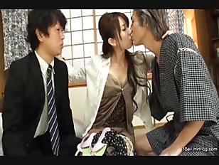 NASS-185-[中文]我老婆在大白天就對男性親戚肉棒相當感興趣。以老公從未看過的色誘暗號誘惑後吸吮老二以騎乘位搾乾男人精液還讓男人中出!!