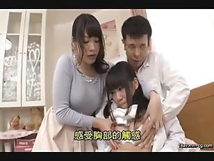 HUNTA-007-[中文]身為姐姐的我對太過笨拙的妹妹男友直接性愛指導!我可愛的妹妹第一次帶男友回家.雖然男友是個看起來老實的人讓我放心了...但正值青春期的他們,2人單獨在房間肯定就會作愛....擔心的我試著偷窺妹妹