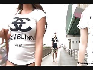 RDT-233-[中文]海邊停車場更衣的巨乳女 2