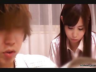 SCOP-312-[中文]班上最有男人緣的女孩子竟然跑來我家住一晚!?