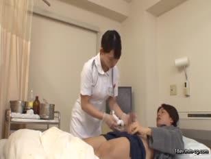 DANDY-387-[中文]我這大嬸真的可以嗎 ? 想被年輕又硬到勃起角度150度的少年肉棒插入的護士就算被插爆也開心」VOL.1
