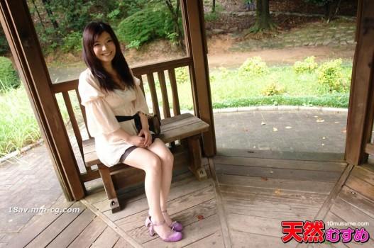 最新天然素人030813_01 競技體操運動員穿內衣公園曝光