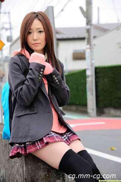 DGC 2011.02 - No.921 Nao Yuuki (優木菜緒)