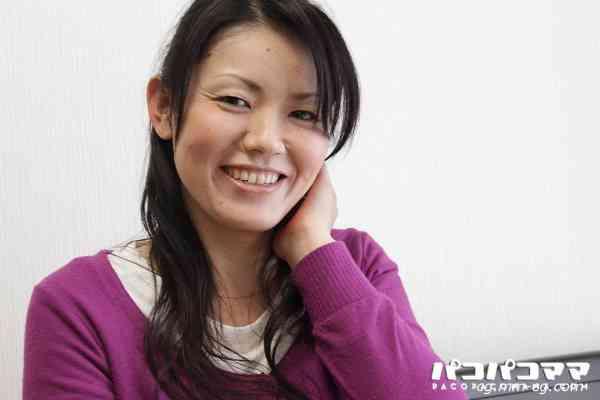 Pacopacomama 081512-715 夏本番!激ヤバ衣装で街中を露出徘徊する人妻 第二弾 秋川鈴子