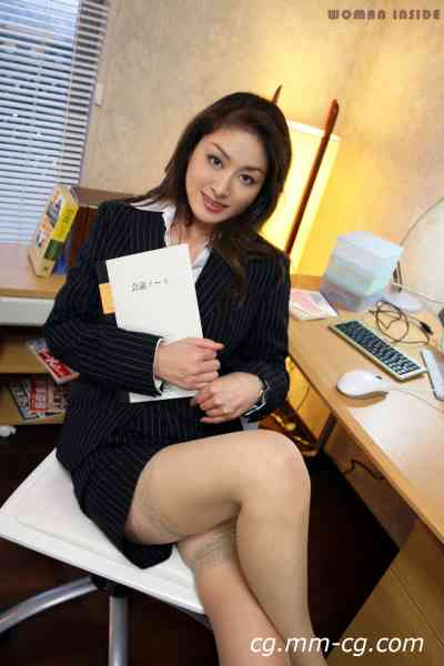 women inside 139c_yuri